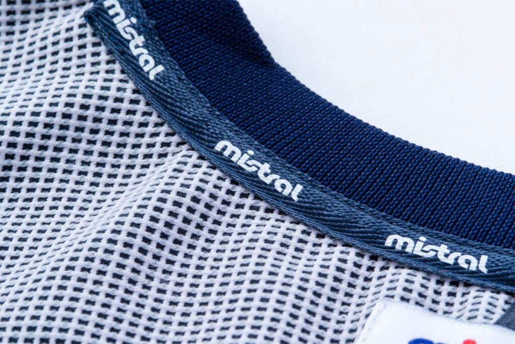 ミストラルユニセックス(メンズ・レディース兼用)HP-ドライTシャツ襟裏には消臭機能付きロゴ入りテープを採用